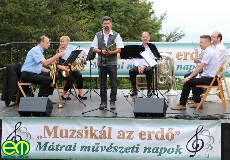 muzsikal_az_erdo_kekesteto_1