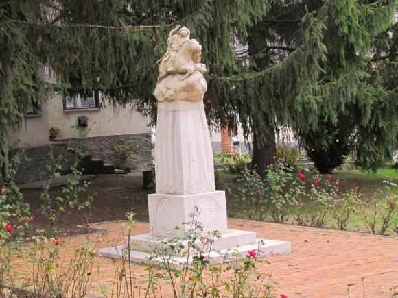 A millecentenáriumi emlékmű (Fotó: Mentusz Károly)