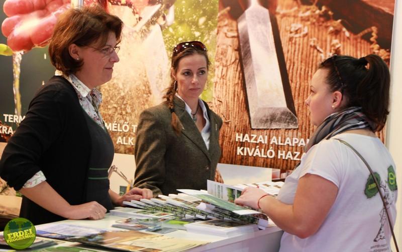 Az állami erdőgazdaságok standján